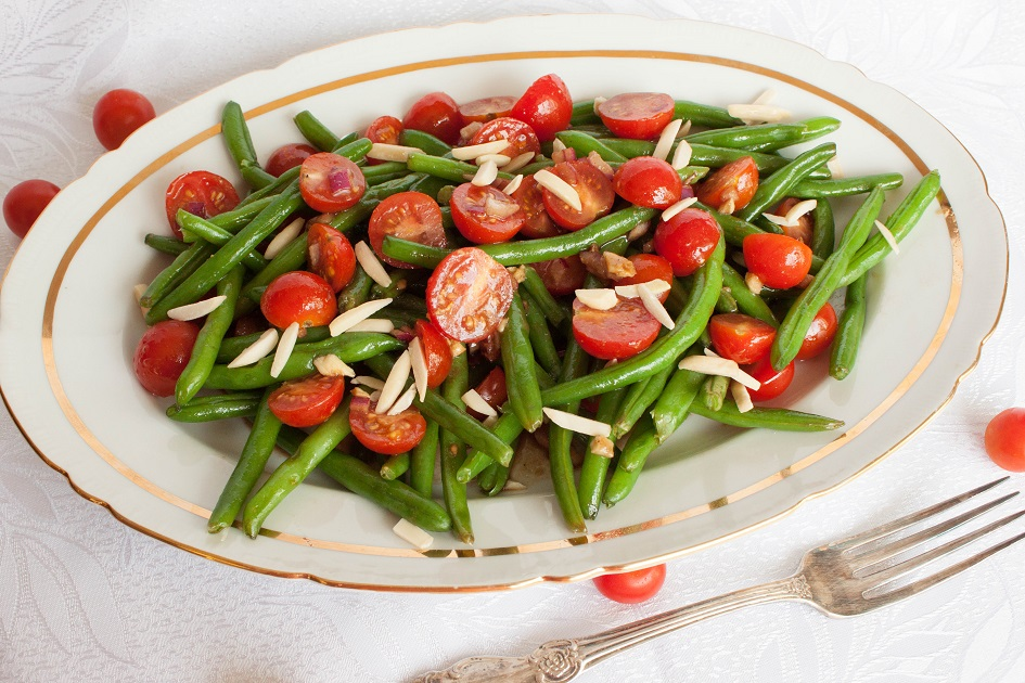 Tomato Salad wit Green Bean and Almonds