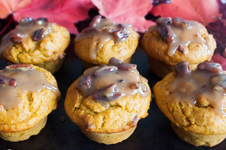Pumpkin Muffins with toasted Pecans and Maple cream