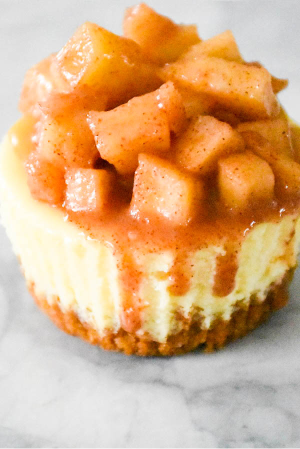 Mini Cheesecake with Apples and Caramel