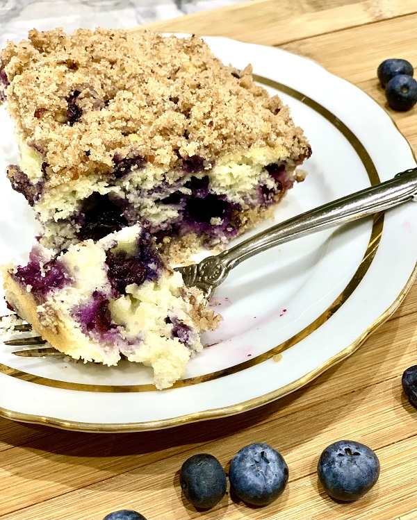 Crumble Blueberry Cake