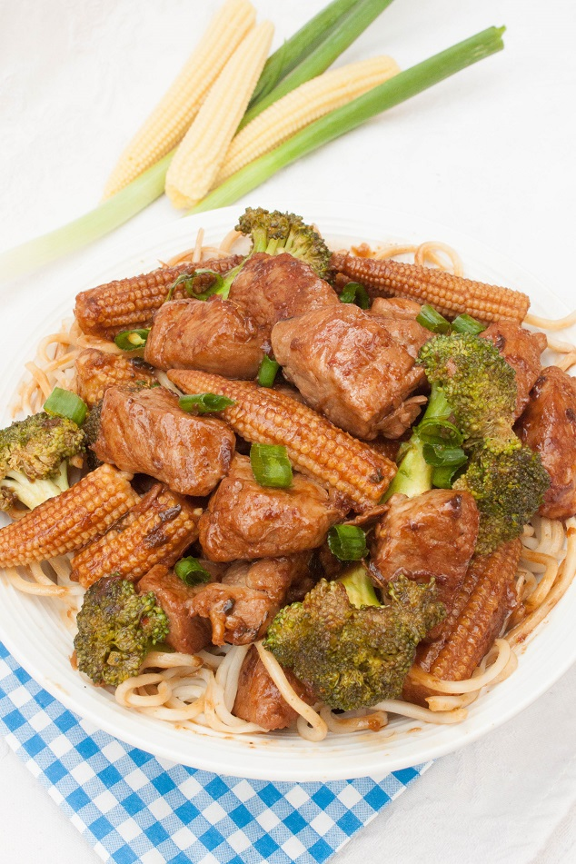 Spicy Stir-Fried Pork with Vegetables and Noodles