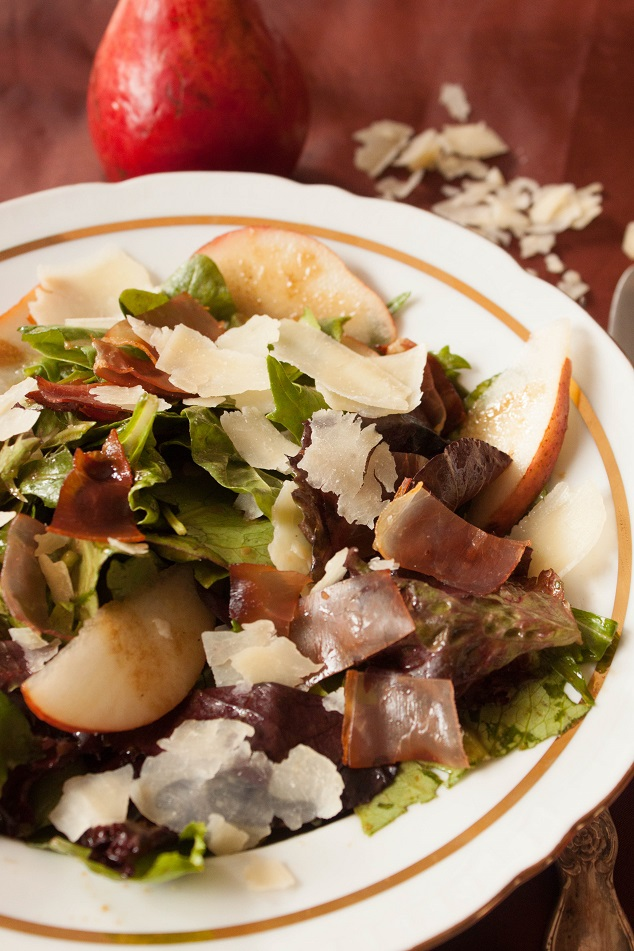 Pear, Parmesan and Prosciutto Green Salad